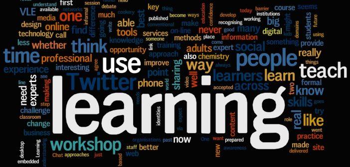 E-learning: Het online volgen van een cursus.